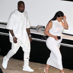 celeb-style-kim-kardashian-kanye-west-560x560-1440775454