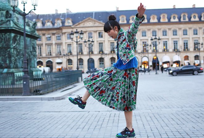 holding-PFW-Susie-Bubble