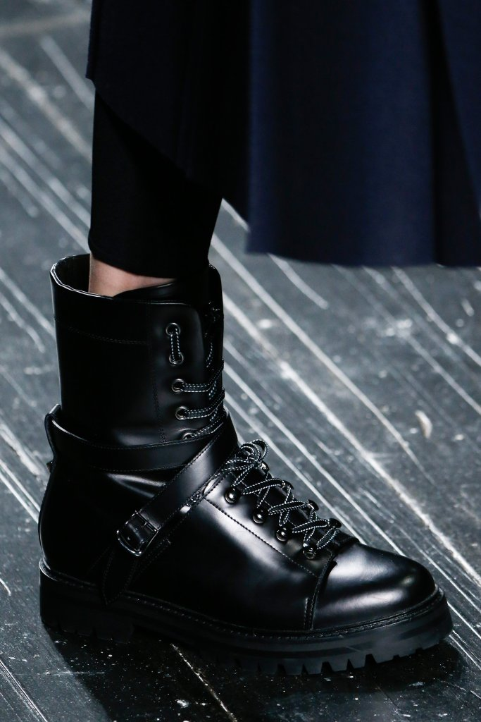 01-hiking-boot-01