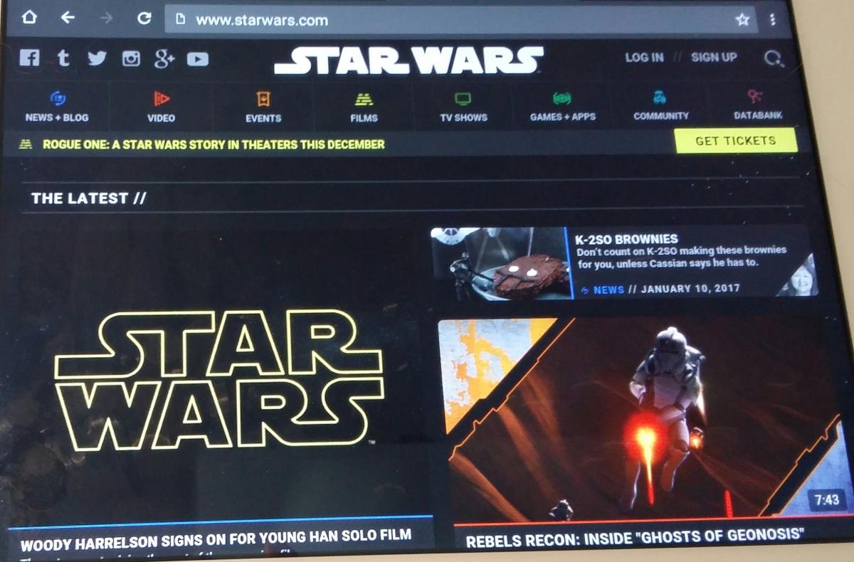 KULTTUURI&ELOKUVAT. 2016  TOP, UUTISET, Vinkit&Ideat.... SUOSITTU&Klassikko STAR WARS 7. ELOKUVAT.  STAR WARS: The Force Awekends 3D - Elokuva ARVOSTELU ....HXSTYLE.net  HEINIS. SUOSIKKI