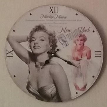 CULTURE...MOVIE. STARS. YOU INSPIRE ME My HOME&DECORATE Living Room CLOCK.... SMILE