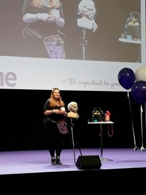 ELÄMÄNTAPA&TYYLI. Nainen ole tärkeä itsellesi – I LOVE ME MESSUT 3/3 Messukeskus, Helsinki. 20 ...